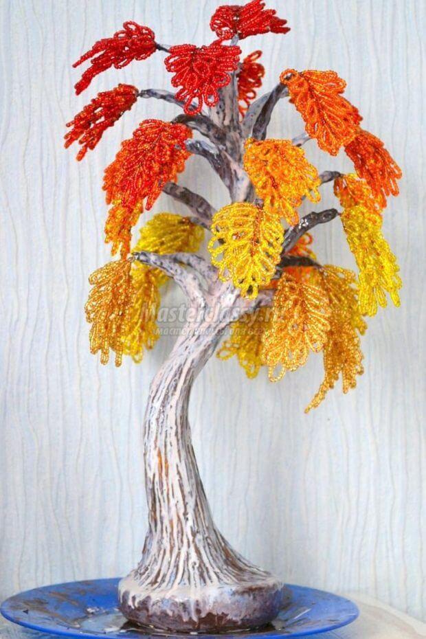 nashe-derevo-pokrasheno-620x930 Времена года. Плетем деревья из бисера