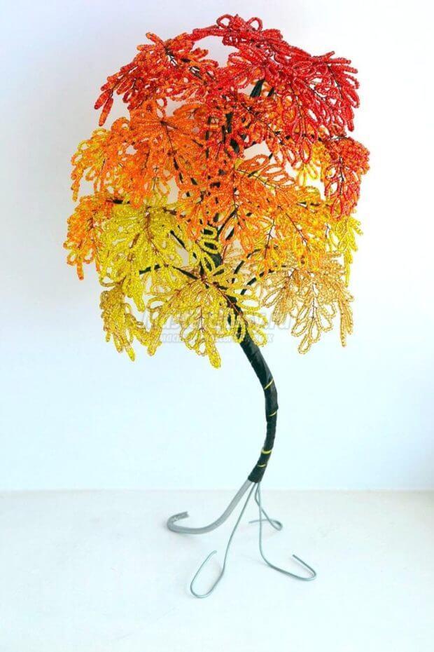 ustoichivyj-stvol-iz-bisera-620x930 Доброго дня всем))) Красное деревце из бисера.Моя новая краса=)