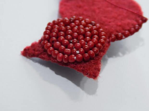 сшиваем вместе обметочным швом