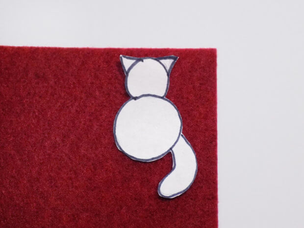 Вырезаем бумажную кошку
